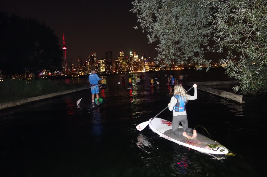 night-Toronto-paddleboarding