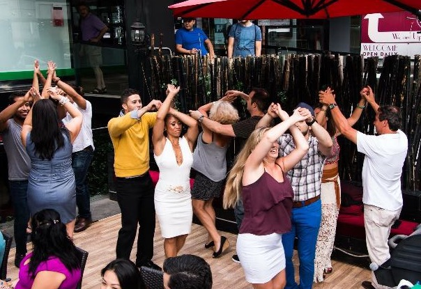 singles become couples at toronto salsa lesson