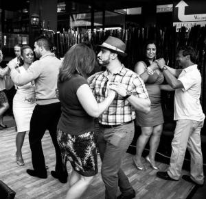 singles salsa lesson in toronto
