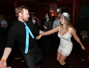 Singles dancing at toronto's New Year's Eve 2018 party