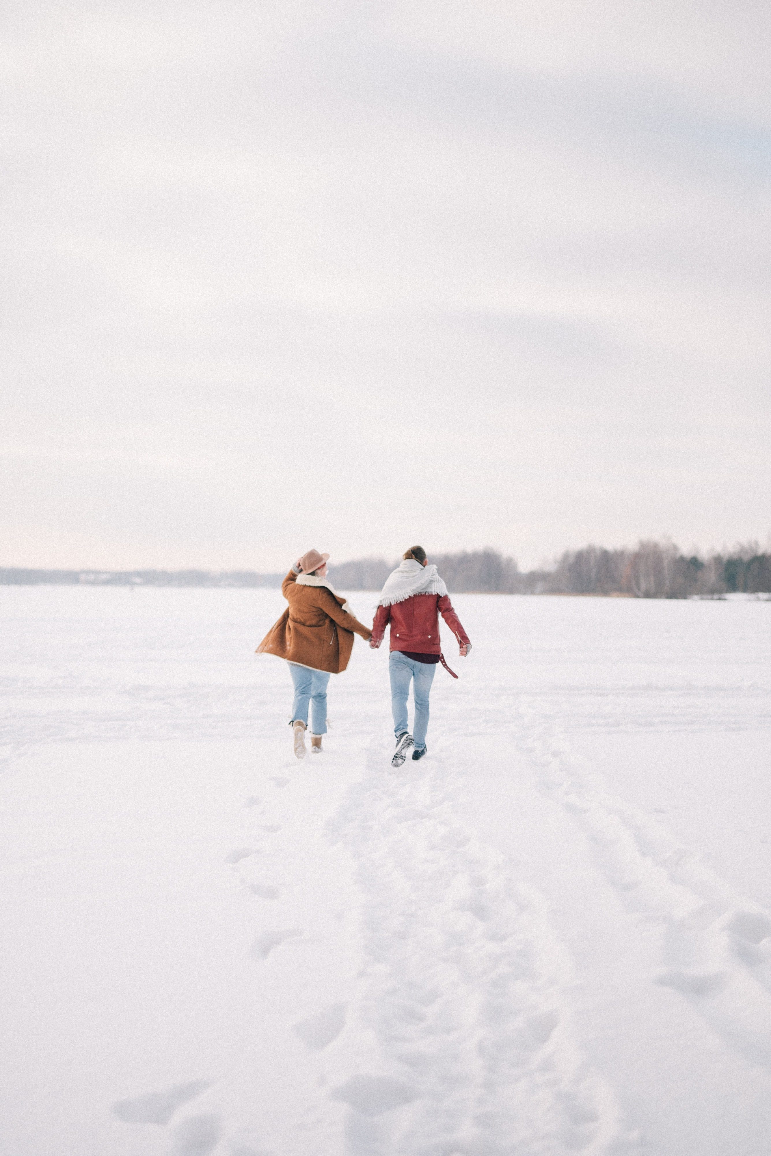 Why Walking Dates Are the Perfect First Date